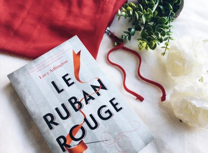 Chronique : Le ruban rouge – Lucy Adlington
